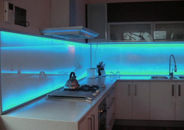Illuminazioni a led ambient ambienti - Luci a led per cucina ...