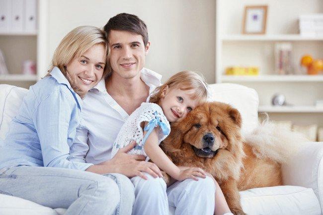 famiglia-con-cane-