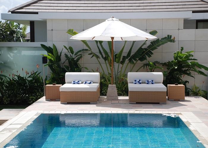villa con piscina_700x500_foto_namji0813 da Pixabay