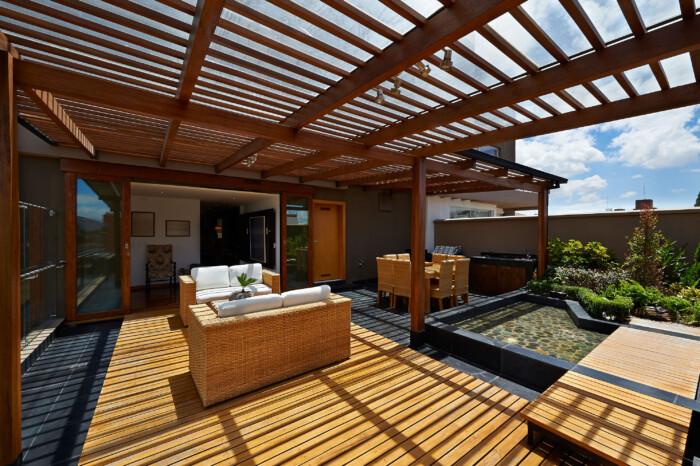 salotto legno esotico