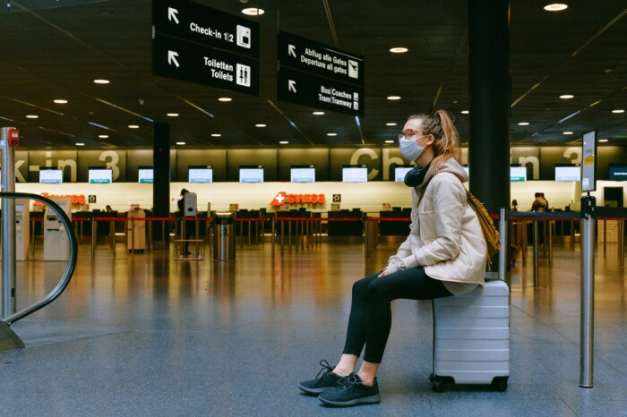 aeroporto covid_pexels-anna-shvets-3943882