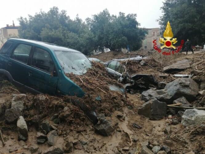 alluvione Bitti_VVFF