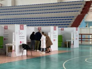 Hub vaccinale Palasport Lecce_4