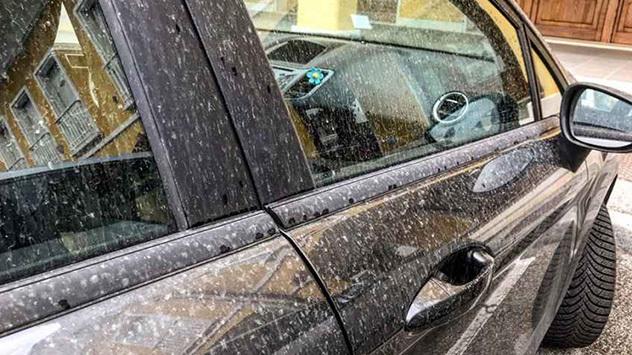 auto sporca sabbia_foto meteo_e_radar