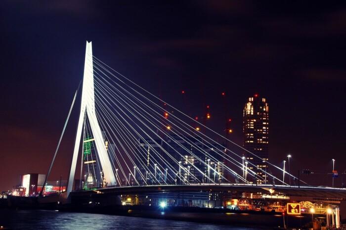 ponte erasmus rotterdam _foto Herry Wibisono pixabay