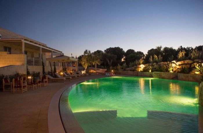 borgo de li santi piscina tramonto